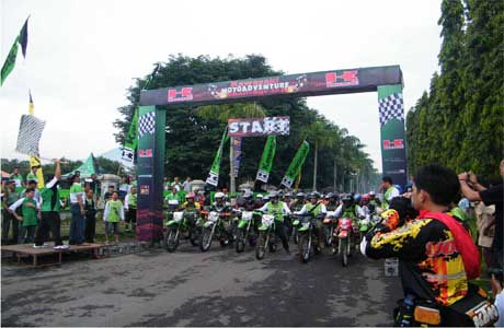 kawasaki header_motoadvanture1.jpg