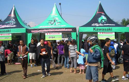 Stand pameran motor-motor Kawasaki