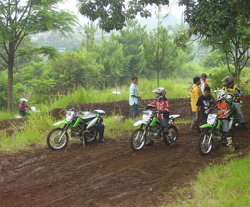 Kawasaki Trail Gathering di Punclut, Bandung + Pic Inside & FR Klx5